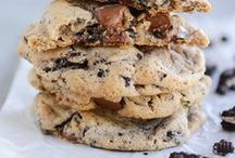 Cookie monster / Great cookie recipes that are not a pain to prepare. Delicious and mouth watering cookie recipes you'll want to make over and over again. Different ways to enjoy chocolate chip cookies, oatmeal cookies, sugar cookies and holiday cookies like Christmas cookies and Halloween cookies.