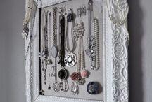 Inspiracje | Szkatułka z biżuterią / Kreatywne pomysły na przechowywanie biżuterii. Jewellery holder, jewelry box, jewelery organizer. #jewelry #jewellery