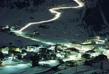 After Dark : Simply Piste / Winter holidays aren't just about the daytime fun, there's also loads to see and do at night. So get out and see those bright lights!