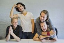 BVCMD / Photos portraying Ylvis with Sidekicks