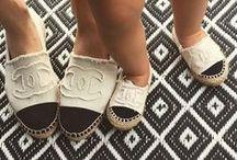 Inspiring Shoes & Bags / by Ana Rita Gracio