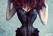 """Corsets smaller than 18"""" waist / Teeny corsets that are designed for petite people or advanced waist trainers / tightlacers, who require corsets with a waist size of 15"""", 16"""" or 17""""."""