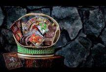 Produk Kampung Coklat / Semua varian rasa cokelat dari yang manis hingga pahit dengan berbagai kemasan. Cokelat mengandung Flavanoid yang merupakan Antioksidan baik bagi tubuh. Disamping itu, Cokelat juga memiliki kandungan Alkanoid yang memberikan rasa pahit pada Cokelat dan bisa mengurangi resiko terkena  serangan jantung.