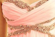 prom / My ideas of the perfect prom, from dresses to pictures...  / by Elizabeth Goolsby