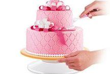 Dekorowanie ciast i tortów / Lubisz dekorować ciasta? Zdobienie tortów to Twoje hobby? Zobacz nasze akcesoria do dekoracji.