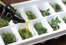 10 sprawdzonych porad kuchennych / Jak przyrządzić swój ulubiony sos, jak zamrażać zioła lub ile czasu potrzebujesz, aby zrobić suszone owoce? Tutaj znajdziesz proste i sprawdzone porady.