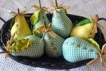 Gyümölcsök, zöldségek, ételek filcből és textilből