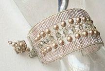 Beading: weave bracelet
