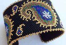 Beading: weave Paisley