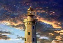 Bring Licht ins Dunkle / Leuchtturm, Glühbirne, Öllampe, Feuer, Sonnenlicht und alles, was leuchtet. Bright up the darkness. Lighthouse, light bulb, lamp oil, fire, sunlight and everything lights