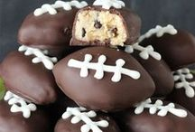Football Bakery / Baking recipes for football fans. Premium Bakery Boxes, Bakery Supplies, #CakeBoxes, #PieBoxes, #CupcakeBoxes, #CarousxelBoxes, #WeddingCakeBoxes and #CupcakeInserts.