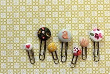 DIY fabric covered buttons | stofknopen / Fabric covered button DIY's - Do it yourselves with fabric covered buttons - Tutorials Zelf maken met stofknopen / by Jip by Jan | Janneke Assink