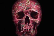 Skulls. I love 'em. / by Alyssa Formwalt