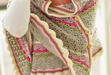 DIY Crochet Shawls | Haken Omslagdoeken en poncho's / Crochet shawls Haken Omslagdoeken en poncho's / by Jip by Jan | Janneke Assink
