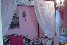 Paris Bedrooms / Paris Bedroom Makeovers and Ideas.