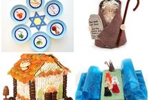 Pesach / Passover Crafts for Kids / Teaching children about the Passover with a range of fun crafts, activities and Science projects.