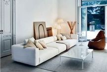 Living Room & Hallway / by Caro Dumanni