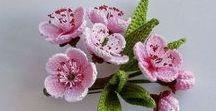 crochet fleurs et feuilles et papillons