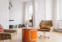 Made from a barrel / Unsere Ölfass Möbel, darunter Lampen, Couchtische, Hausbars, Phonoschränke. Perfekt für Wohnzimmer, Musikzimmer oder Büro. Featuring our oil drum furniture, barrel lamps and couch tables made from have an oil barrel. For your living room.