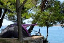 Camping in Croatia / With its beautifully preserved nature, pleasant climate, a clean sea with more than a hundred beaches on which blue flags fly (the international ecological symbol of cleanliness of sea and beaches), with its rich cultural and historical heritage and its delectable local cuisine with unmistakeably Mediterranean flavors, Croatia is well on the way to becoming, if not quite the best, then certainly the most attractive camping destination in the Mediterranean.