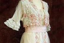 1910s afternoon tea dresses / │1910s vintage fashion │dresses for afternoon tea or daytime social occasions │tea dresses │lawn dresses │