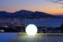 Boules et cubes lumineux / Des luminaires design pour illuminer votre maison ou votre jardin!