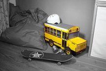 """New York, New York! / Melting Pot und typische Styles. Wer hat nicht Sehnsucht nach New York? Jetzt gibt es das Yellow Cab, den berühmten Schoolbus oder die Manhattan Skyline auch für Zuhause - zum Zusammenstecken! Eine kleine Hommage an den """"Big Apple""""."""