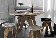 """""""Fichte grau"""" - Kaffee gefärbte Holzmöbel / Extra starker Kaffee wird auf massives Dreischicht-Fichtenholz gewalzt, gefolgt von verdünnter grauer und weißer Farbbeize. Ergebnis ist ein Holz, wie von der Sonne gegerbt, mit einer wunderbar intensiven Maserung und einem lebhaften Ausdruck."""