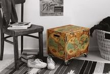 Supermöbel Rollbox / Bei dieser Box kommt ein neuer Qualitätsstandard ins Rollen! Aus robustem, aber enorm leichtem Birkensperrholz, unserem Stecksystem und einem hochwertigem Druck entsteht ein langlebiges Möbel, das im Nu zum Lieblingsstück wird. Die dekorativen und vielseitig nutzbaren Rollboxen schmücken nicht nur Ihr Zuhause, sondern verfügen dazu über einen riesigen Stauraum. Die belastbaren und leichtgängigen Rollen hinterlassen keine Streifen auf dem Boden und runden das hohe Qualitätsniveau der Rollbox ab.