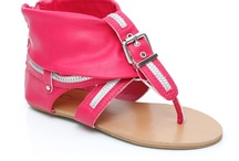 Girls Casual Sandals / Casual Sandals Get the latest trends for young girls for 