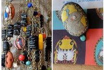 A l'atelier / La Fée qui Cloche /  La Fée qui Cloche est une marque respectueuse de l'environnement proposant des créations illustrées et colorées en matières biologiques, naturelles et recyclés / www.lafeequicloche.fr