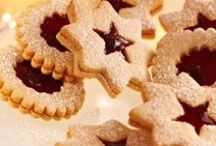 Holiday Recipes with Almonds / Almonds help you bring some holiday cheer with these delicious recipes with nutrient packed almonds.