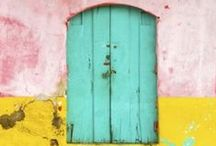 Travel : doors & doorways / Utterly fascinating & wildly varied - who knew a simple door could be such a statement & worldwide obsession! www.seenbysolomon.com