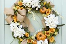 Fall Crafts + Decor / Pumpkins, hay bales, scarecrows and more fall fun for your outdoor and indoor spaces!