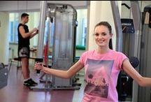 Nowa siłownia / Do dyspozycji odwiedzających Klinikę pozostaje siłownia wyposażona w nowoczesny sprzęt treningowy. Trening odbywa się pod nadzorem wyspecjalizowanego fizoterapeuty.