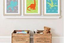 décorations dinos / Dinosaures; idées de décoration sur les dinos; affiches, poster, meubles chambre d'enfant, couleurs, dinosaures. Pour décorer une chambre d'enfant, chambre de garçon. boy room decor, wall art, decor, print art, dinosaur, décoration intérieure, affiche enfant