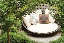 Open-Air-Möbeltrends / Loungemöbel, Essecken und Relaxliegen - das sind die Möbeltrends für den Garten oder die Terrasse!