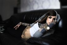Inked / Tatuaggi, tatuati e tatuate.