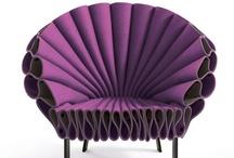 The color purple / Sæt dig i min lilla stol, spis lilla kager og frugt, mens du lytter til webforedrag i Loungen. http://mariannethyboe.dk/lounge/