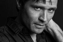 Seamus Dever / Actor