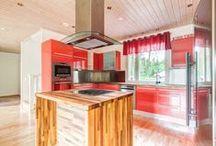 Keittiöitä / Myymieni asuntojen keittiöitä