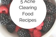 Healthy Eating / Heal acne naturally with these healthy skin recipes! Recipes for acne, DIY acne clearing recipes, green smoothies, hormonal acne, face mapping, clear skin diet, heal your face with food, heal acne naturally, diy acne, acne face map, food for acne, foods that cause acne foods for clear skin, DIY for acne treatment, food for your skin, recipes for acne, heal acne naturally, clear hormonal acne, natural acne treatments, clear skin diet