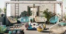 KARE - kolekcja Outdoor / Rodzaj posadzki, kolor elewacji, wymiary i usytuowanie – na wygląd tarasu wpływa wiele czynników. Priorytetowymi elementami pozostają tutaj także meble ogrodowe i dekoracyjne dodatki, które finalnie decydują o sukcesie aranżacji każdego patio. KARE w tym temacie proponuje Wam wiele designerskich, acz funkcjonalnych rozwiązań, które z powodzeniem zastosujecie zarówno względem niewielkich powierzchni, jak i tych, które mogą poszczycić się okazałymi gabarytami.