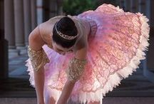 BALLET/DANCE / by Laura Escobar Cadavid