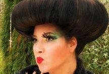 Avant Garde / Avant Garde en Speciaal Haar Trendy Haar is een Haarstyliste en Visagiste op locatie. Ik verzorg uw Haarstyling, Haarbehandelingen/Kapper's diensten en Visagie. http;//trendyhaar.nl
