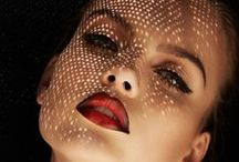 SCREAM Pretty - Vamp it up / Splash of red on the lips, black up the eyes and accessories with animal prints. DONE.