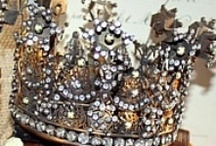 "Crowns / Gina means ""queen"" in Italian . I have always collected crown motifs ."