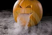 Halloween / Halloween Costumes, Halloween Food - Halloween Decorations - Halloween Printables - DIY Halloween - Halloween Crafts - Halloween Makeup - Halloween Treats - Halloween Ideas - Halloween Nails - Halloween  Drinks