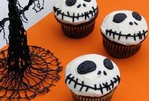 ✭ Halloween TREATS ✭ / Snacks, desserts, goodies, and all things delicious for the season!