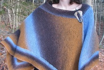 Shawls and Shapes / Shawls that defy the ordinary--different shapes, original colours and interesting knitting stitches.